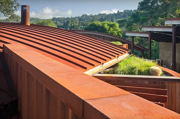 G2-hilltop-retreat-exterior-rooftop-garden-4